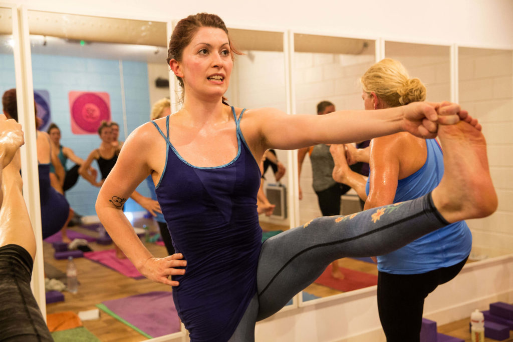 Sinead teaching a hot class at Yogafurie