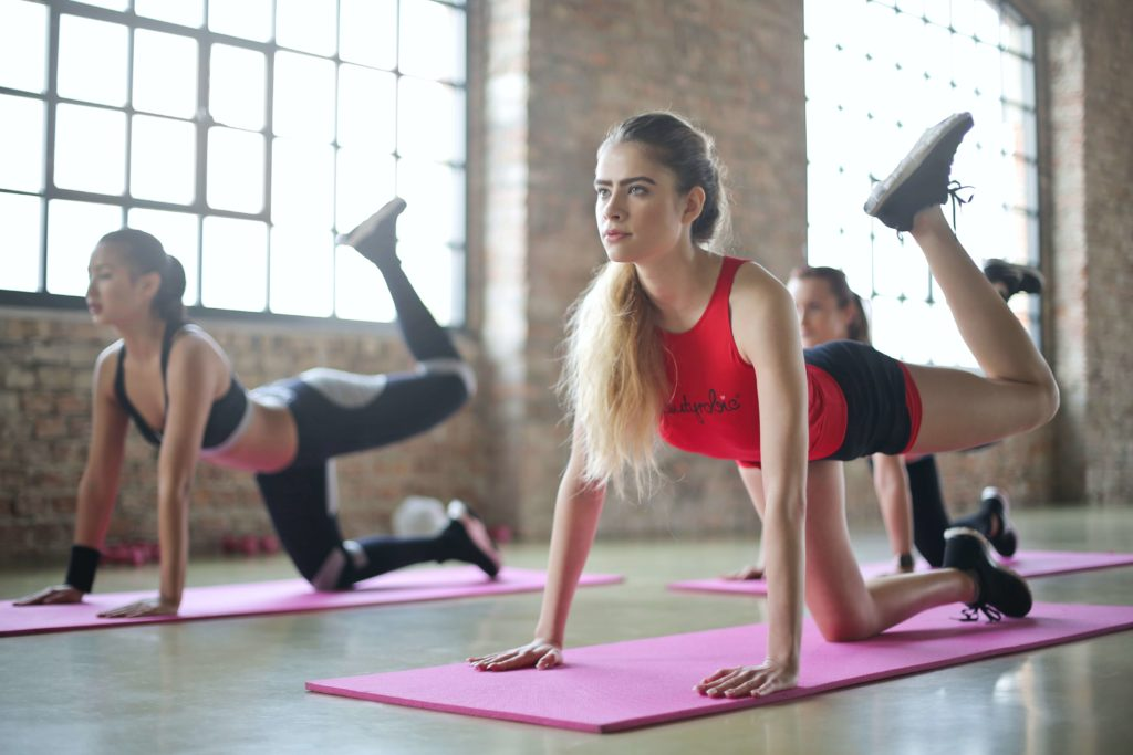 A class of pilates students
