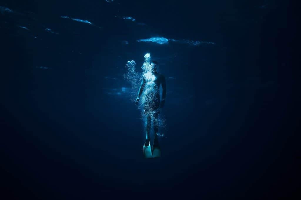 Breath as represented when underwater in bubbles